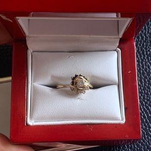 Jewelry - 18k ring